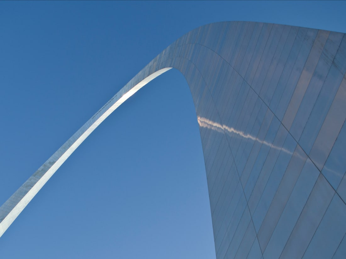 Gateway Arch in St. Louis, the perfect example of an arc